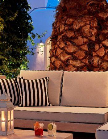 Mr & Mrs White Paros New Style Hotel
