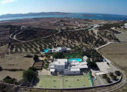 family_friendly_villa_to_rent_in_Paros_by_Divine_Property_2